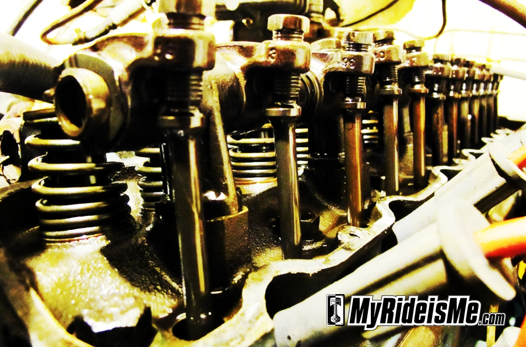 Ford falcon engine, straight six, intake valves