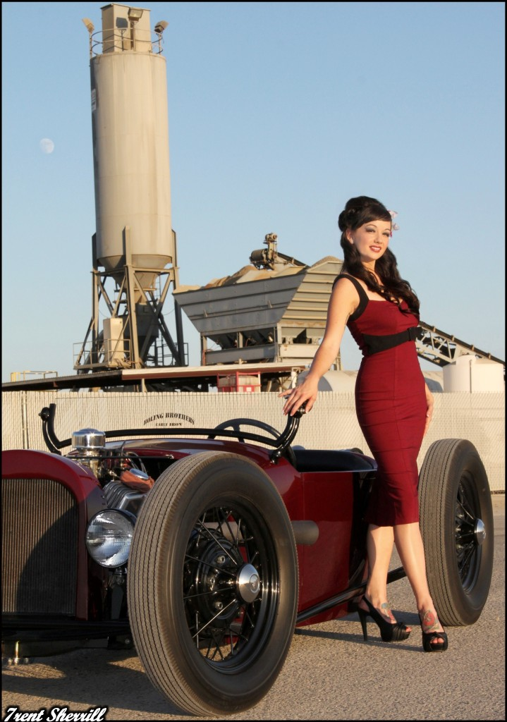 hot rod pinup, girls on hot rods, hot rod pin up girls