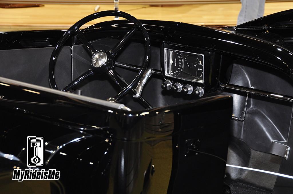 2013 Grand National Roadster Show, interior