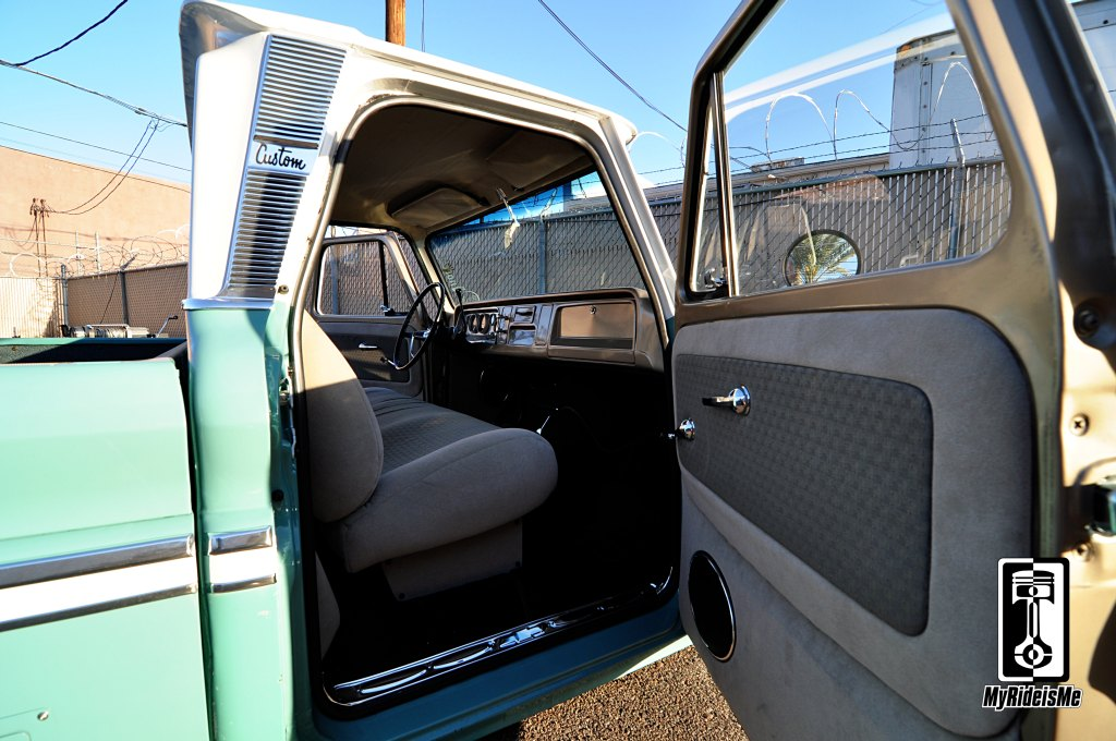 custom interior,c10 custom trucks, custom Chevy C10, custom c10