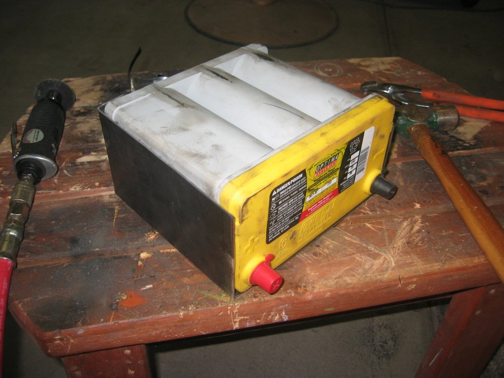 how to build a battery box