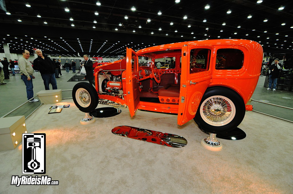 2014 Detroit Autorama, Ridler award contender, 1932 Ford Sedan four door