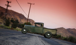 Hot Rod 33 Ford Pickup – Haulin' Style
